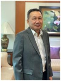 Mr._Dusit_Manapan